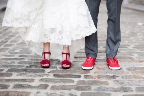 אביזרים צבעוניים לכלה וחתן